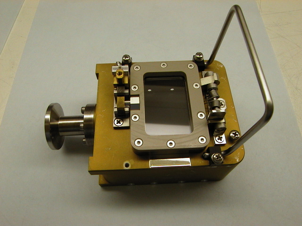 JUNO Detector housing assembly
